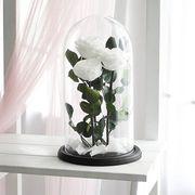 Белые розы в колбе, композиция трио